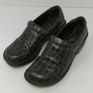 Born BOC Dark Grey Mules Clogs Size 6.5